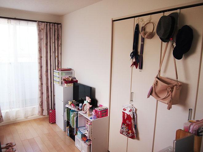 長女の居室にはクロゼットが付いているので、整理整頓がしやすい。「収納方法を工夫してお気に入りの服を飾るなど、自分の部屋を満喫しているようです」とSさん。