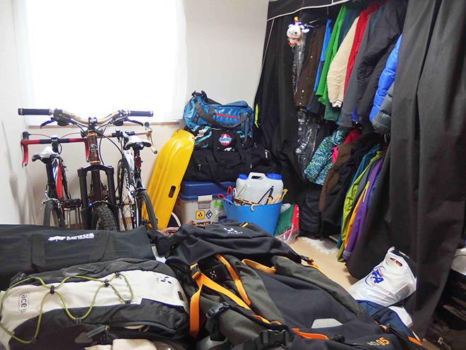 新居には、アウトドアを収納するために専用の居室を設けた。「一部屋を丸々収納に充ててもゆとりある広さ。マイホームを購入して良かったです」とAさん。