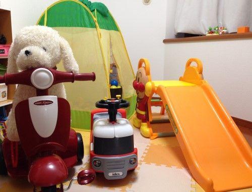 2つある洋室のうちの1つは、子ども部屋として活用。「あっという間におもちゃでいっぱいになってしまいました(笑)」。