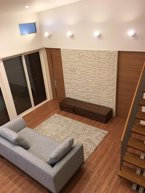 リビングを2階の寝室側から見たアングルが、夫人のお気に入り。「LDKを見渡せるので、家のどこにいても家族とコミュニケーションが取りやすいです」。